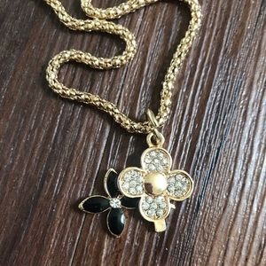 Betsey Johnson gold floral flower clover necklace